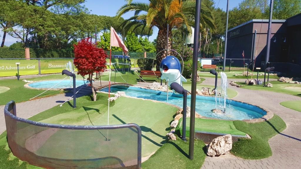 Minigolf buca del delfino